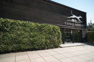 Canis Resort Front